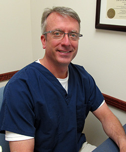 Dr. David Mabeus :